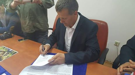 <a class=&quot;amazingslider-posttitle-link&quot; href=&quot;http://www.euroregiune.org/en/signing-letter-intent-regarding-co-operation-agreement-comrat-city-slanic-moldova-city/&quot; target=&quot;_self&quot;>Signing of a letter of intent regarding the co-operation agreement between Comrat city and Slanic Moldova city</a>